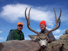 Wyoming mule deer are somtimes hard to spot but once you find them the rest is easy.