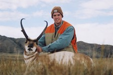Antelope hunting is a great hunt for groups of friends looking for the opportunity to have lots of fun and take home some trophy animals at the same time.